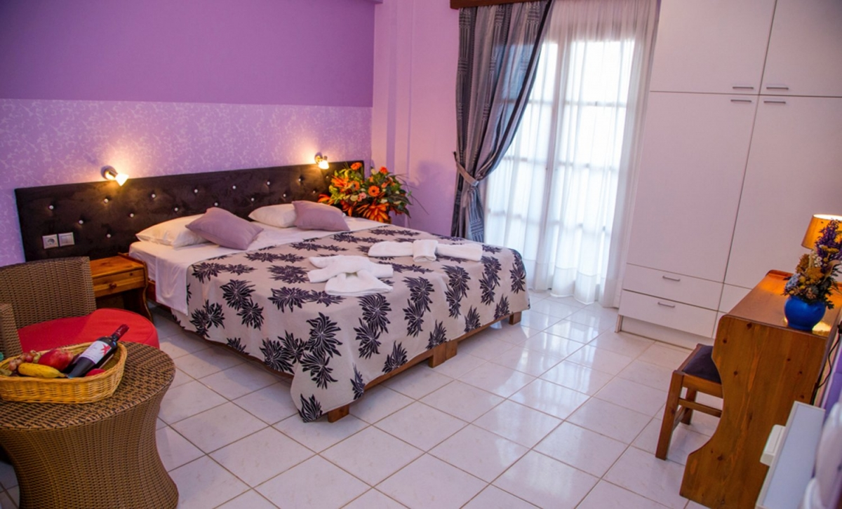 Welcome to Asterias hotel and studios